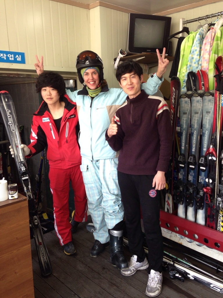 Fruen leier skiutstyr